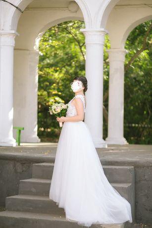 Свадебное платье А силуэт