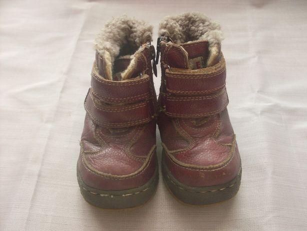 Продам сапожки дитячі, зимові.