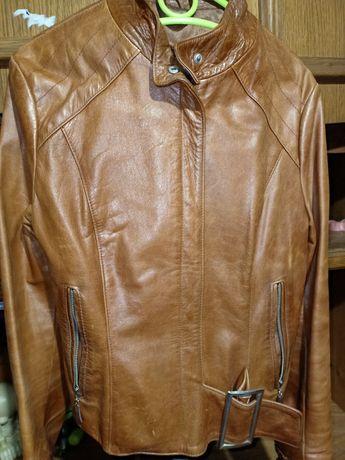 Куртка кожа,хорошее состояние