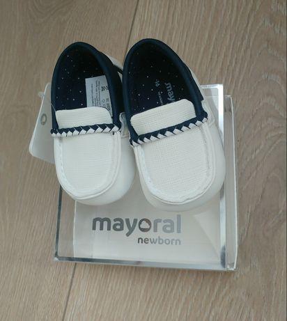 Eleganckie buciki mokasyny dla chłopca 16 mayoral białe chrzest nowe