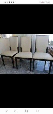 Cadeiras de mesa em madeira maciça e Pele branca