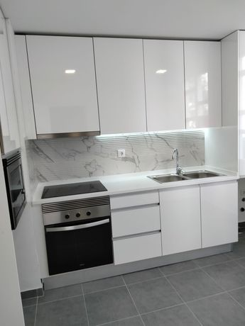 Apartamento T2  totalmente renovado.