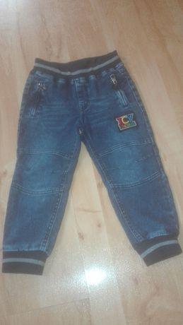 Spodnie dla chłopca r. 98-104