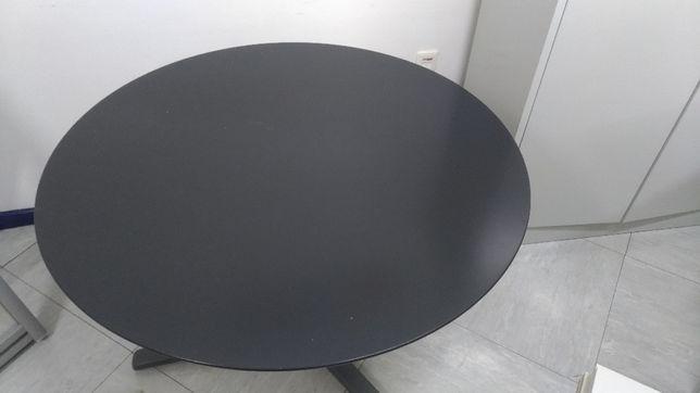 Mesa reuniões com cadeiras