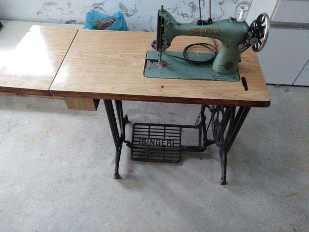 Maquina costura SINGER- Motor com embraiagem