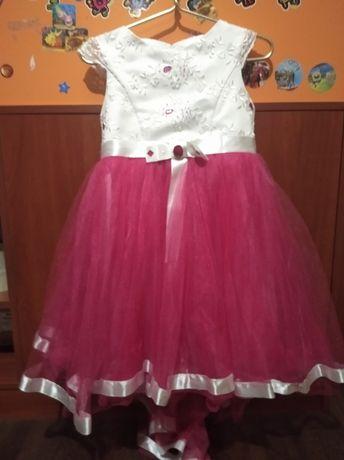 Гарне платтячко 5-7 років