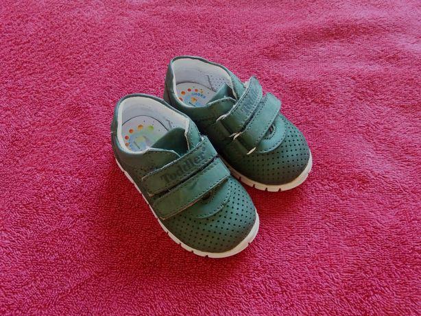Детские кожаные туфли кроссовки туфельки ботинки, Турция. Размер 19