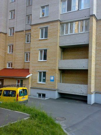 Продаю 3к квартиру 89.7 кв.м, район  Виставка,  м. Хмельницький