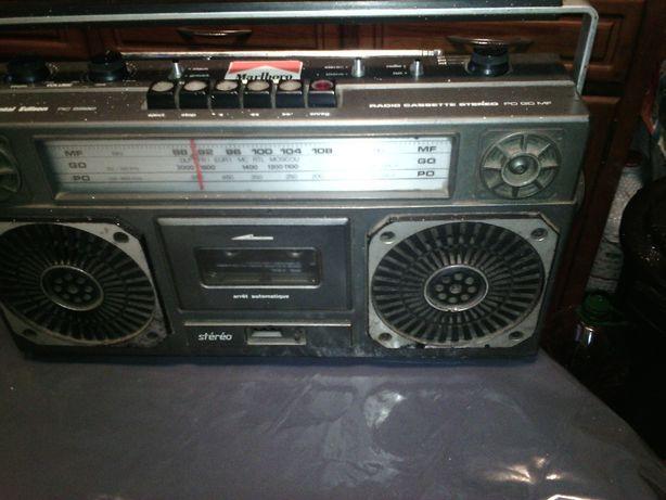 Radio/cassete antigo anos70 a trabalhar bem.
