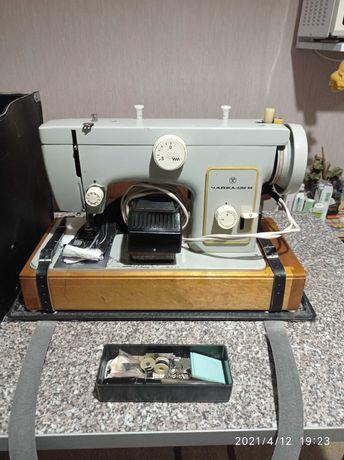 Швейная машинка Чайка132м