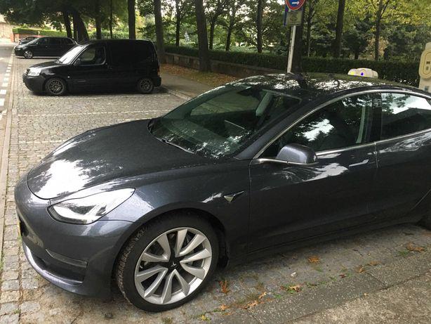 Tesla Model 3 Longe Range