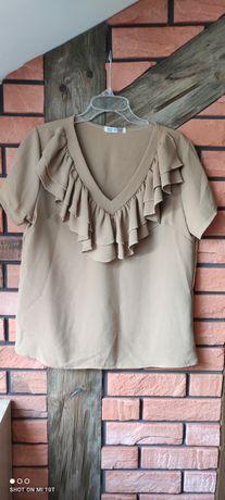 Bluzeczka z falbankami na dekoldzie