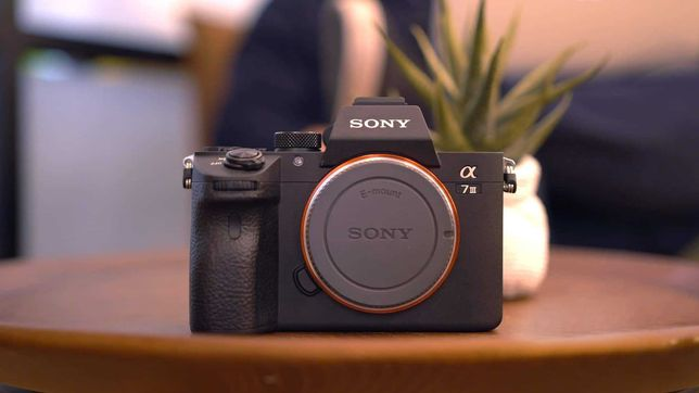 Sony A7III w dobrym stanie
