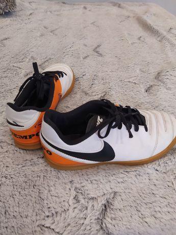 Buty Nike 38 super stan