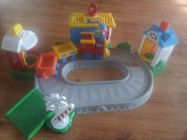 brinquedo para bébé -pista de comboio