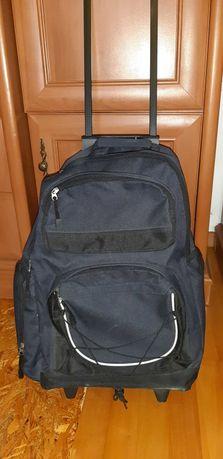 plecak nowy plus  kółka