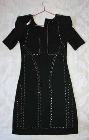 Платье Oasis трикотажное с кнопочками спереди и сзади, Размер S 34