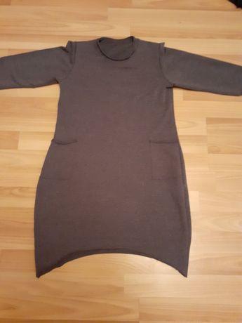 Dzianinowa szara sukienka
