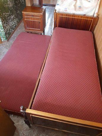 кровать 1-спальная 2 шт.+ тумбочка