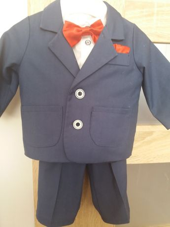 Elegancki garniturek np.do chrztu.