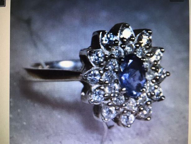 Кольцо из серебра с Иолитом и цирконами