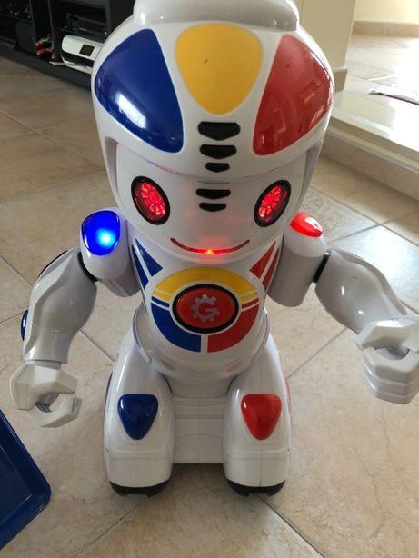 Robô Emílio - amigo