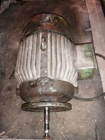Silnik 5.5 kw 3 fazy trójfazowy 2885 obrotów wymienione łożyska