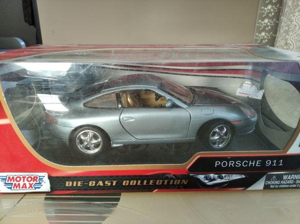 модель 1.18 Porsche 911