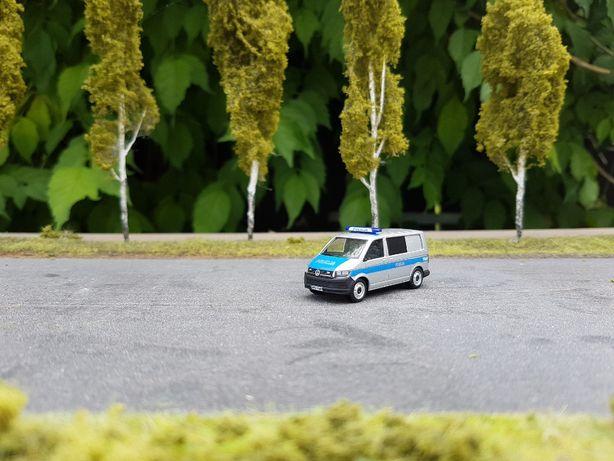 VW T6 Polska Policja baza Herpa 1:87