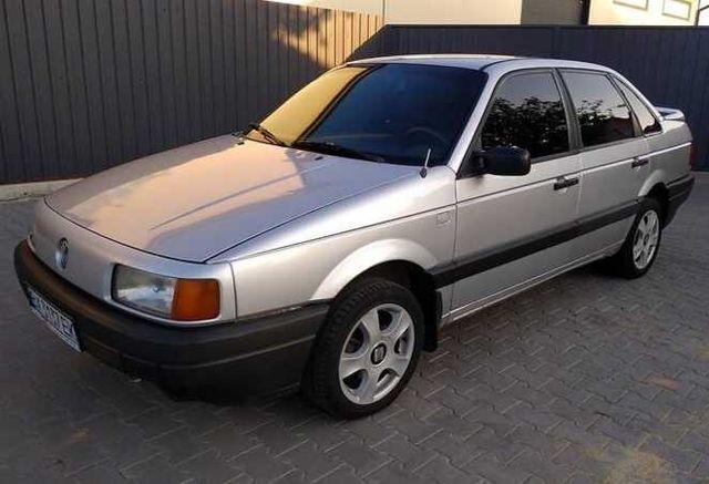 Volkswagen Passat B3 1989г.в. 1.8 Г/Б. Отличный. Любое оформл.