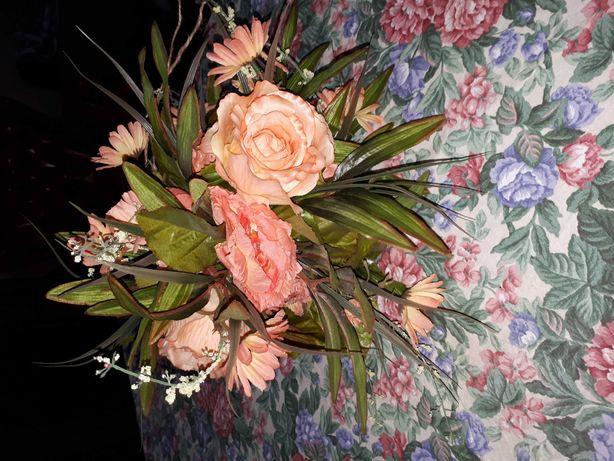 kula kwiatowa ozdobna/ ozdobny bukiet kwiatów
