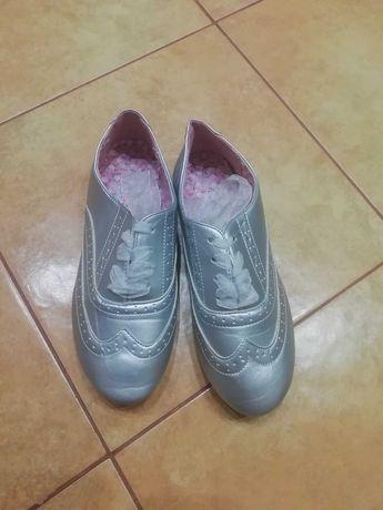 Туфли  мокасины новые размер 36   22.5см