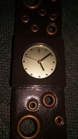 Relógio stradivarius
