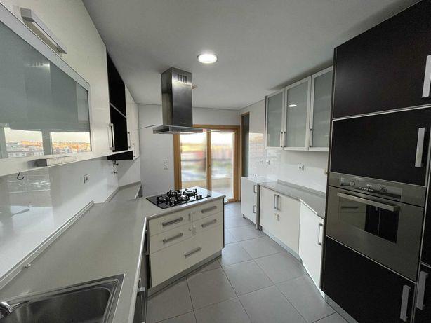 Cozinha completa com Ilha + Eletrodomésticos