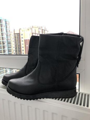 Продам женские ботинки КОЖА