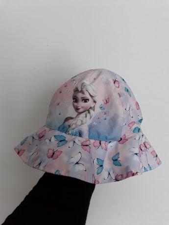Nowy kapelusz HM Elza