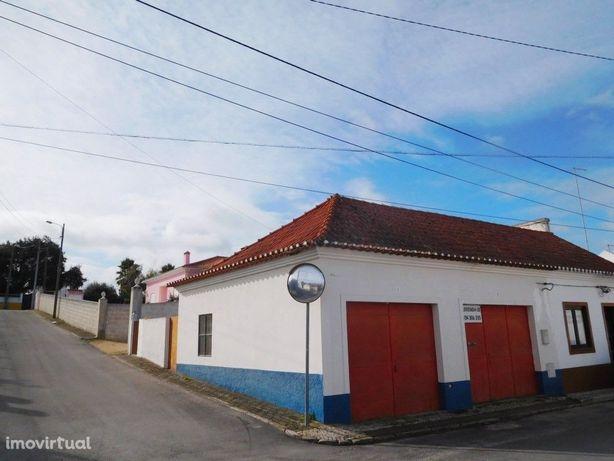 Garagem / armazém a 15km de Montargil c/ quintal