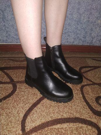 Черные ботинки (весна-осень)