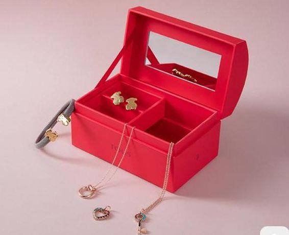TOUS WALENTYNKI czerwona szkatułka na biżuterię