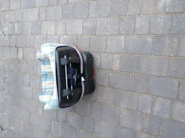 Fotelik samochodowy z regulacją
