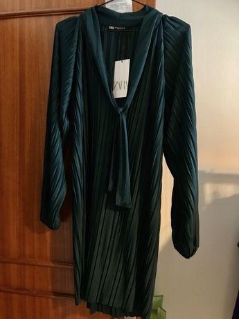 Vestido plissado zara manga cumprida nunca usado
