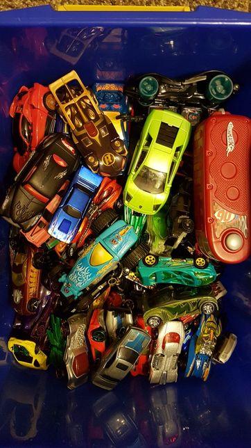 Samochody 75 sztuk - rożne