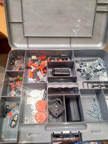 Mecano чемодан деталей
