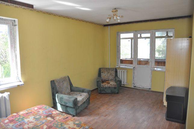 Продажа раздельной 2-х комнатной в Соломенском районе