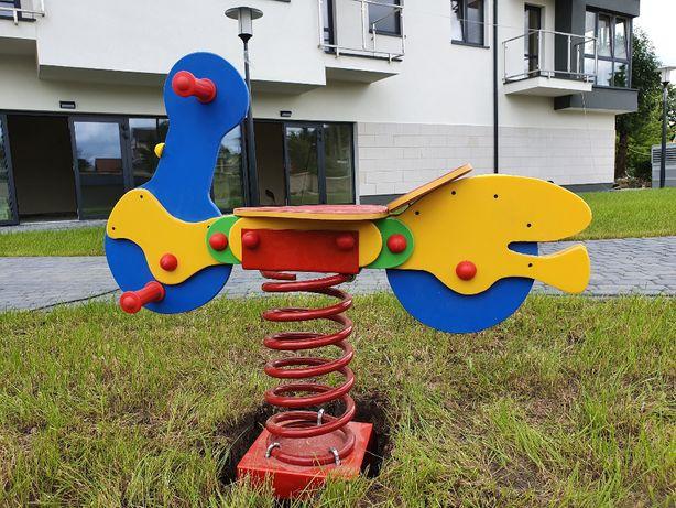Bujak na sprężynie na plac zabaw