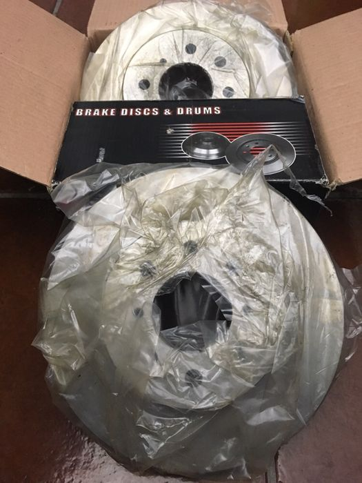 Discos Honda NK brake discs & drums 20 26 14 Serra D'El Rei - imagem 1