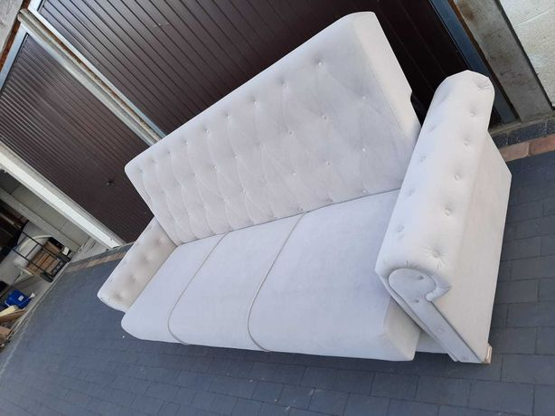 Sofa ala chesterfield głęboko pikowana glamour z f spania