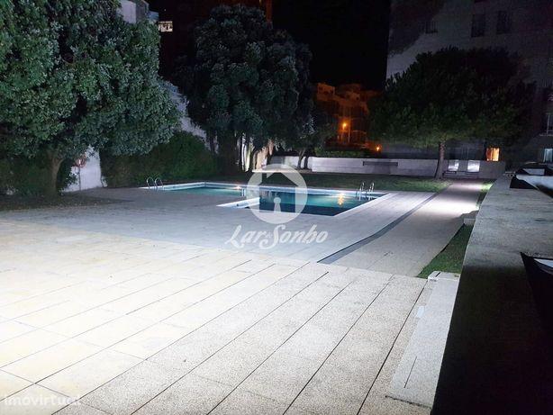 Apartamento T3 em condomínio privado com piscina na Póvoa de Varzim