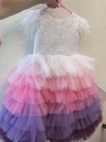 Продам платье для праздника