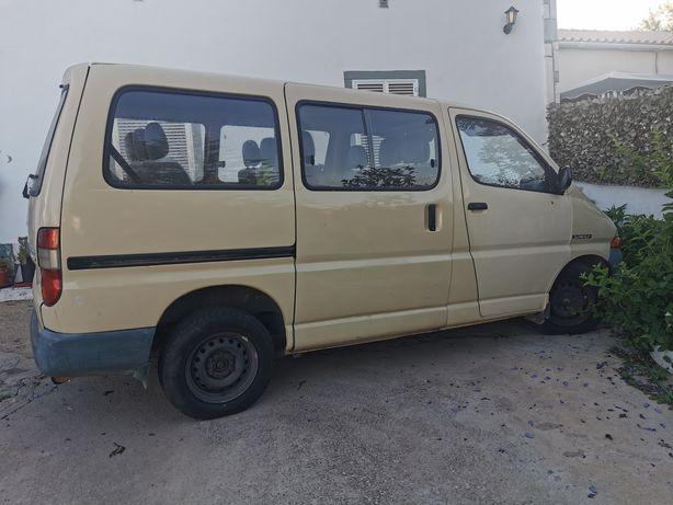Toyota Hyace Service 2000